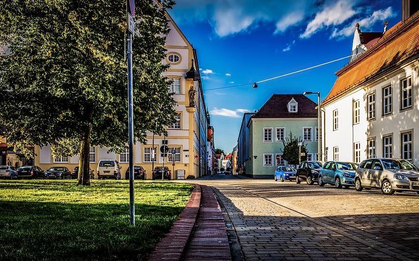 Sie suchen einen Immobilienmakler in Ingolstadt, bei dem Sie auf einen hochwertigen Komplettservice vertrauen können?