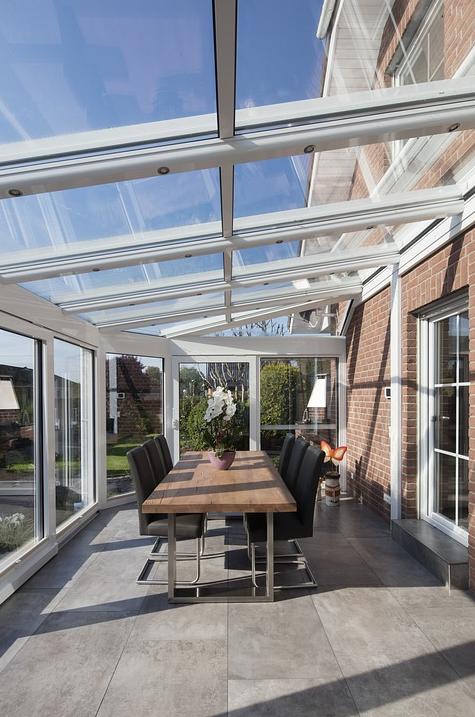 Terrassenüberdachung Neuss als maßgeschneidertes Baukonzept