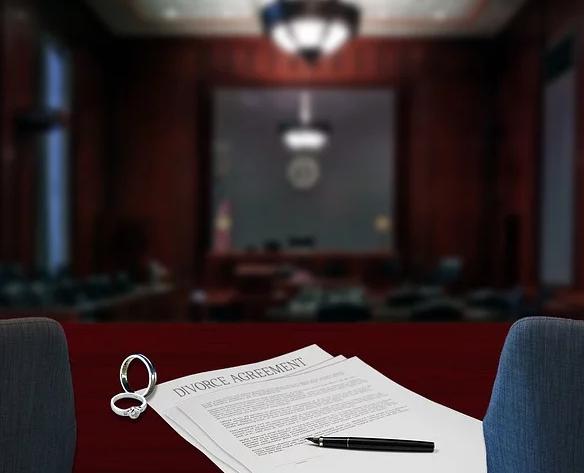 Bei einer anstehenden Scheidung einen Anwalt in Nürnberg um Rat fragen.